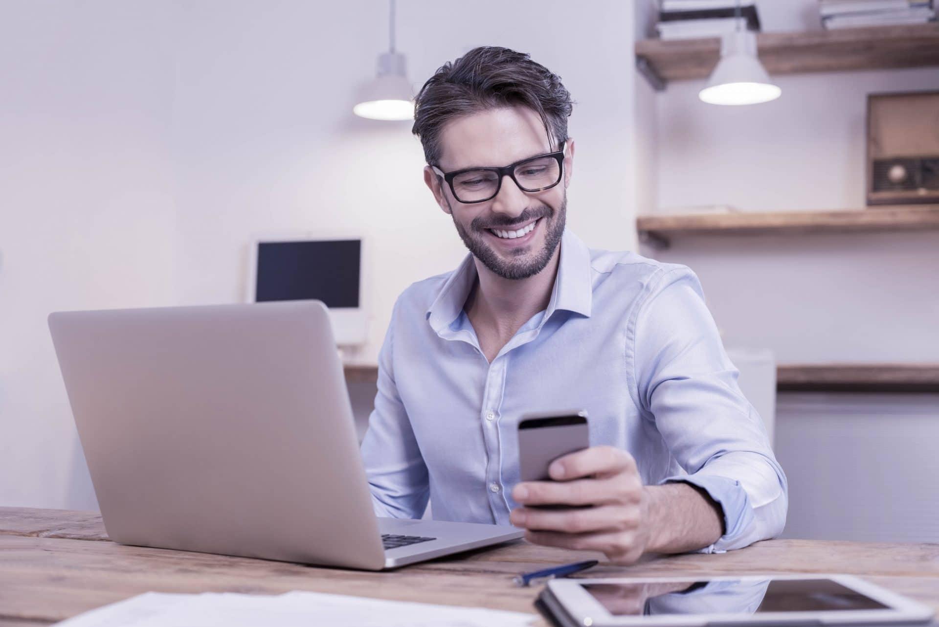 Wir entwickeln Websites, die auf allen gängigen Bildschirmgrößen wie Tablets oder Smartphones einen guten Eindruck machen.